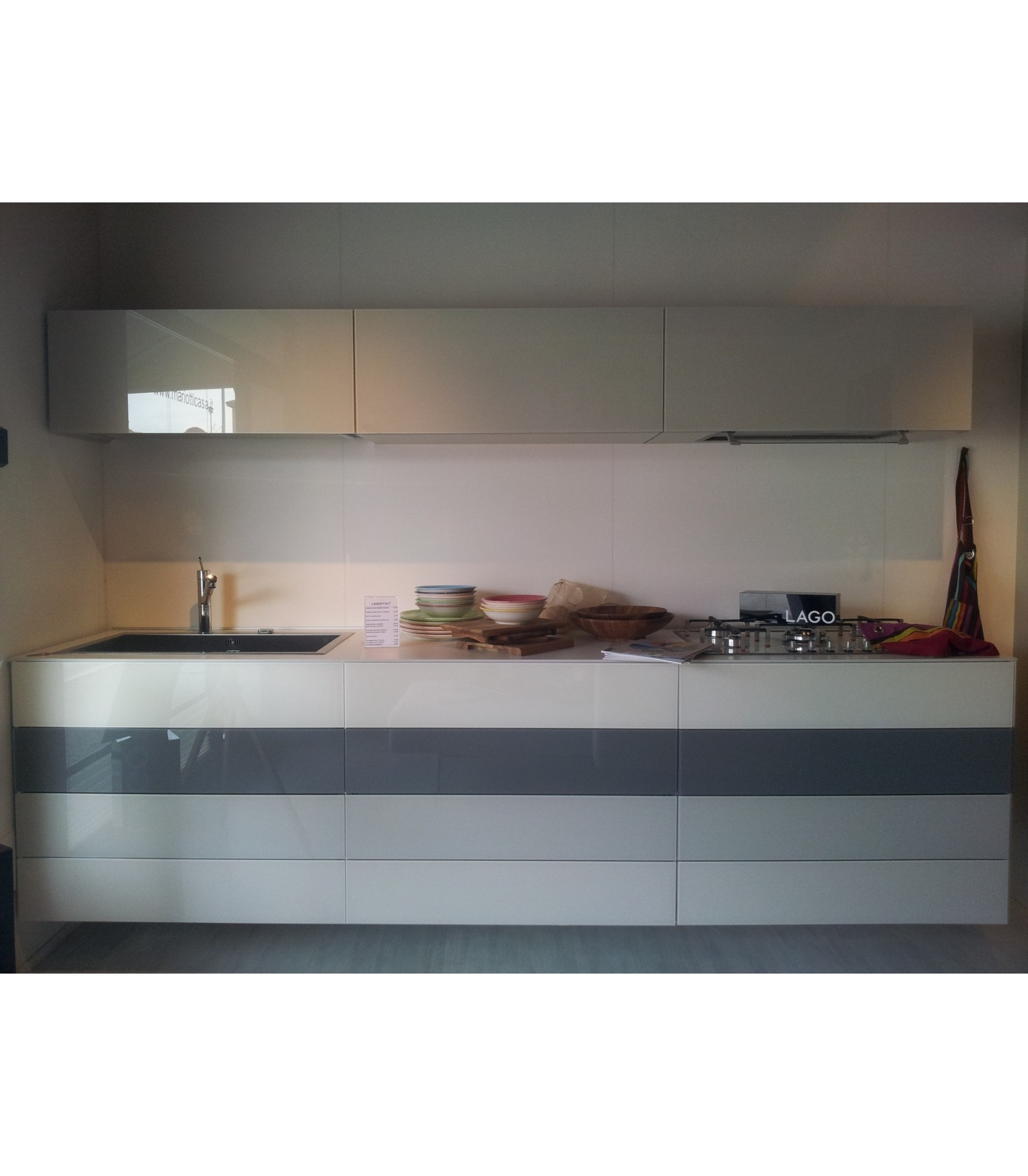 Cucina lago 36e8 mariotti casa for Lago 36e8 catalogo pdf