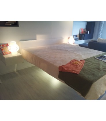 Letto fluttua lago outlet confortevole soggiorno nella casa for Lago outlet arredamento