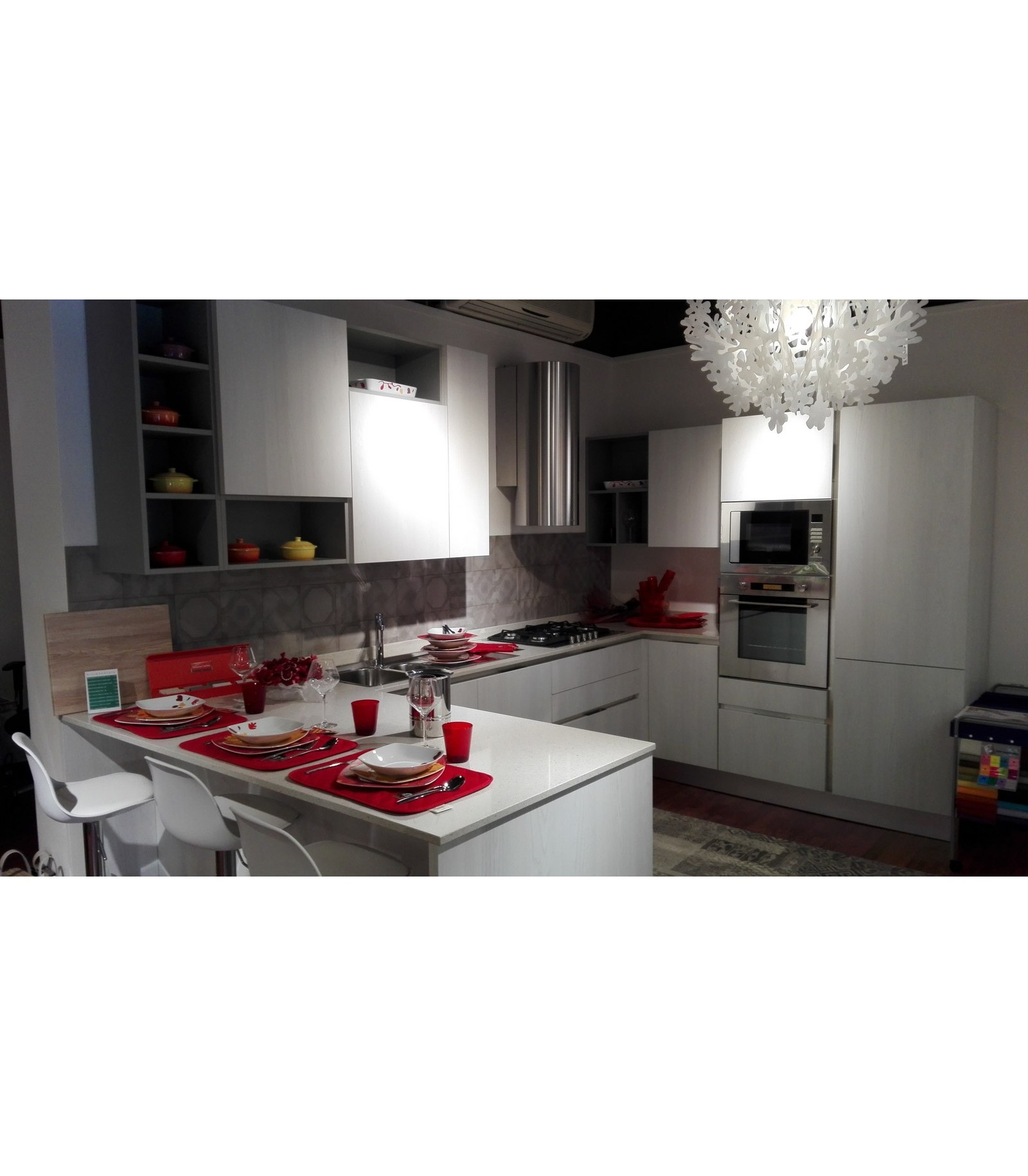 Cucina sistematica olmo by veneta cucine outlet for Cucine shop on line