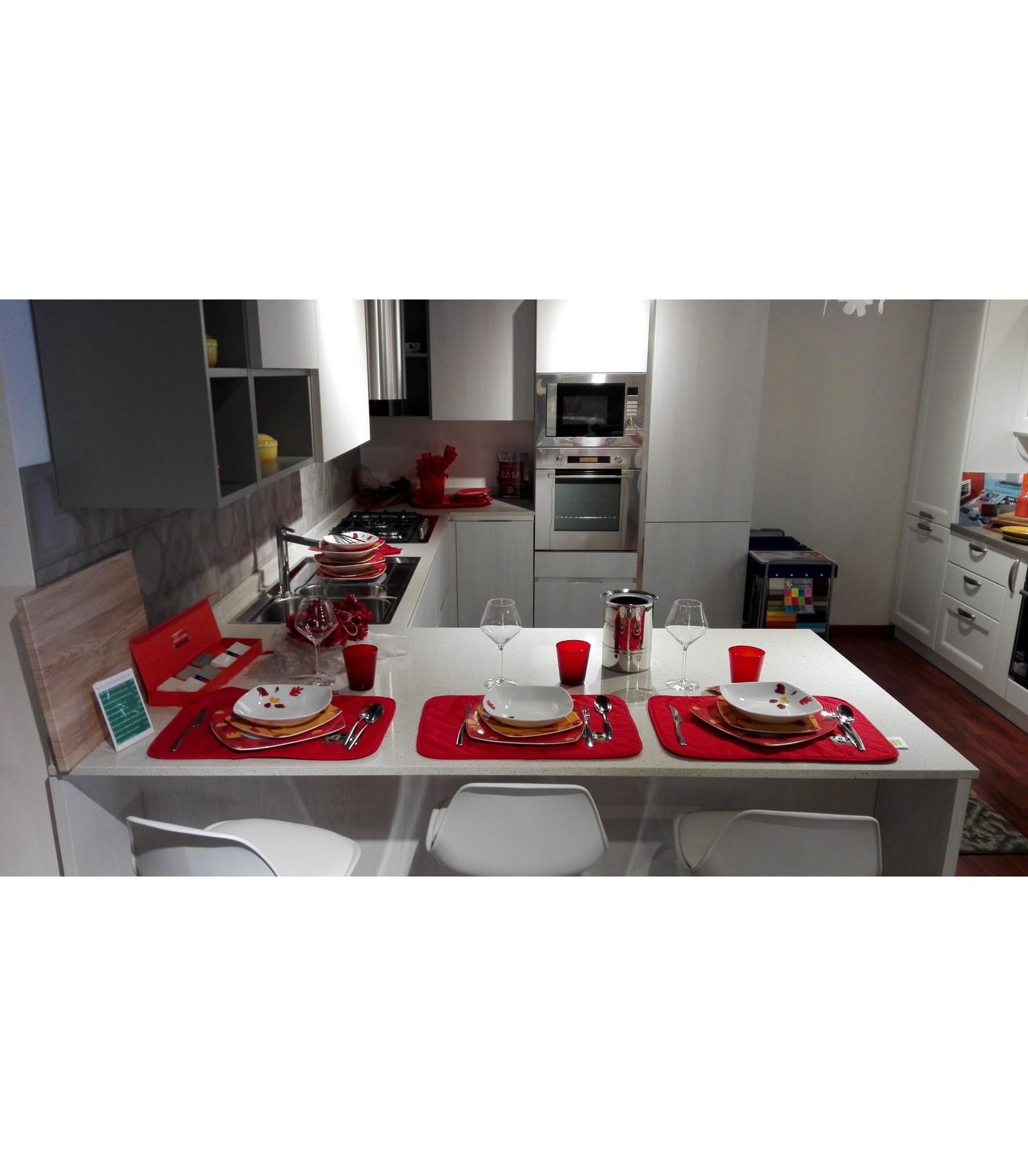 Cucina Sistematica Olmo by Veneta Cucine - outlet - Mariotti Casa