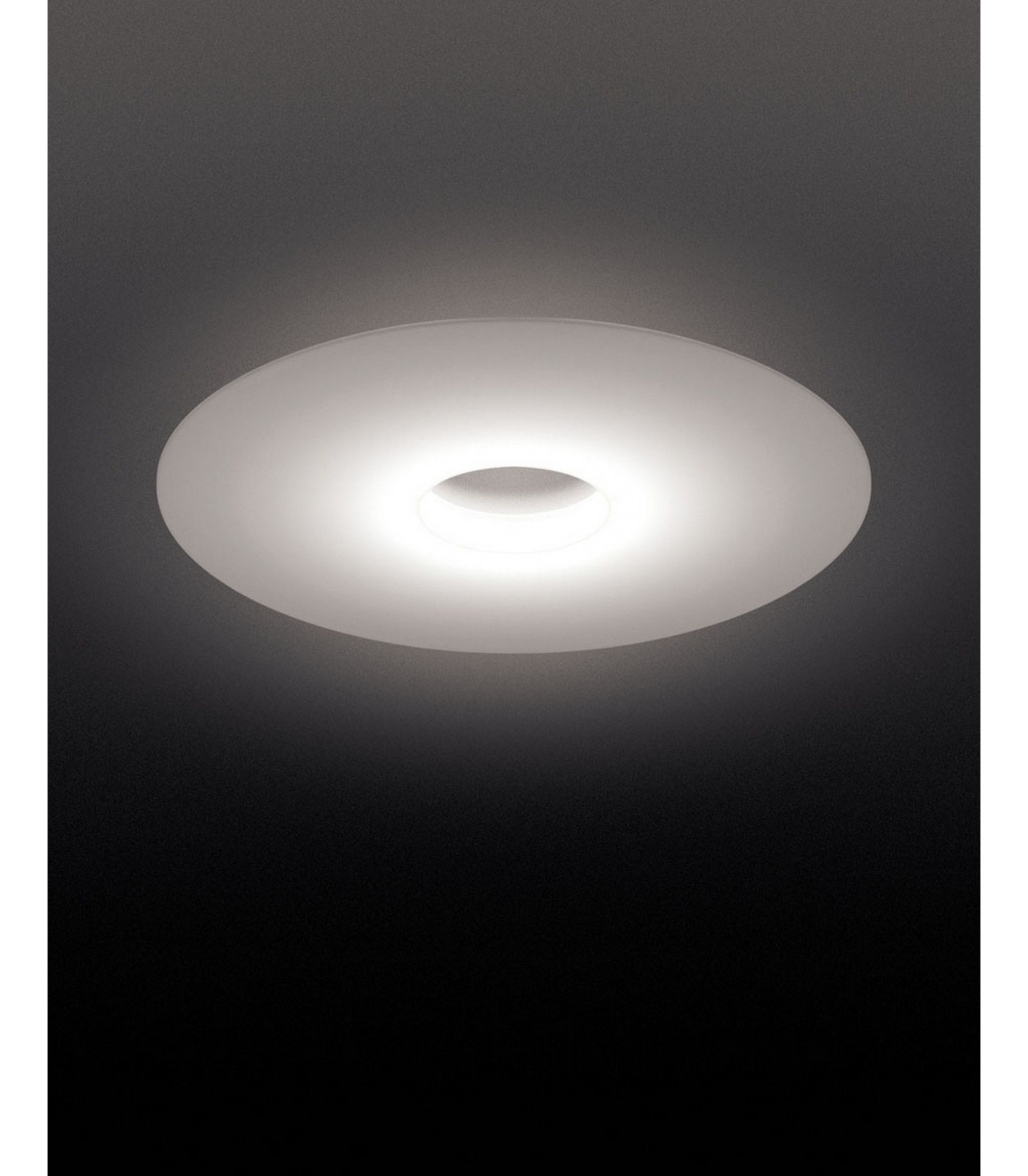 Lampada da soffitto foscarini ellepi for Lampade a soffitto